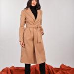 Meteore Fashion abbiamo proposto per quest'inverno 2019-2020 il cappotto lungo cammello