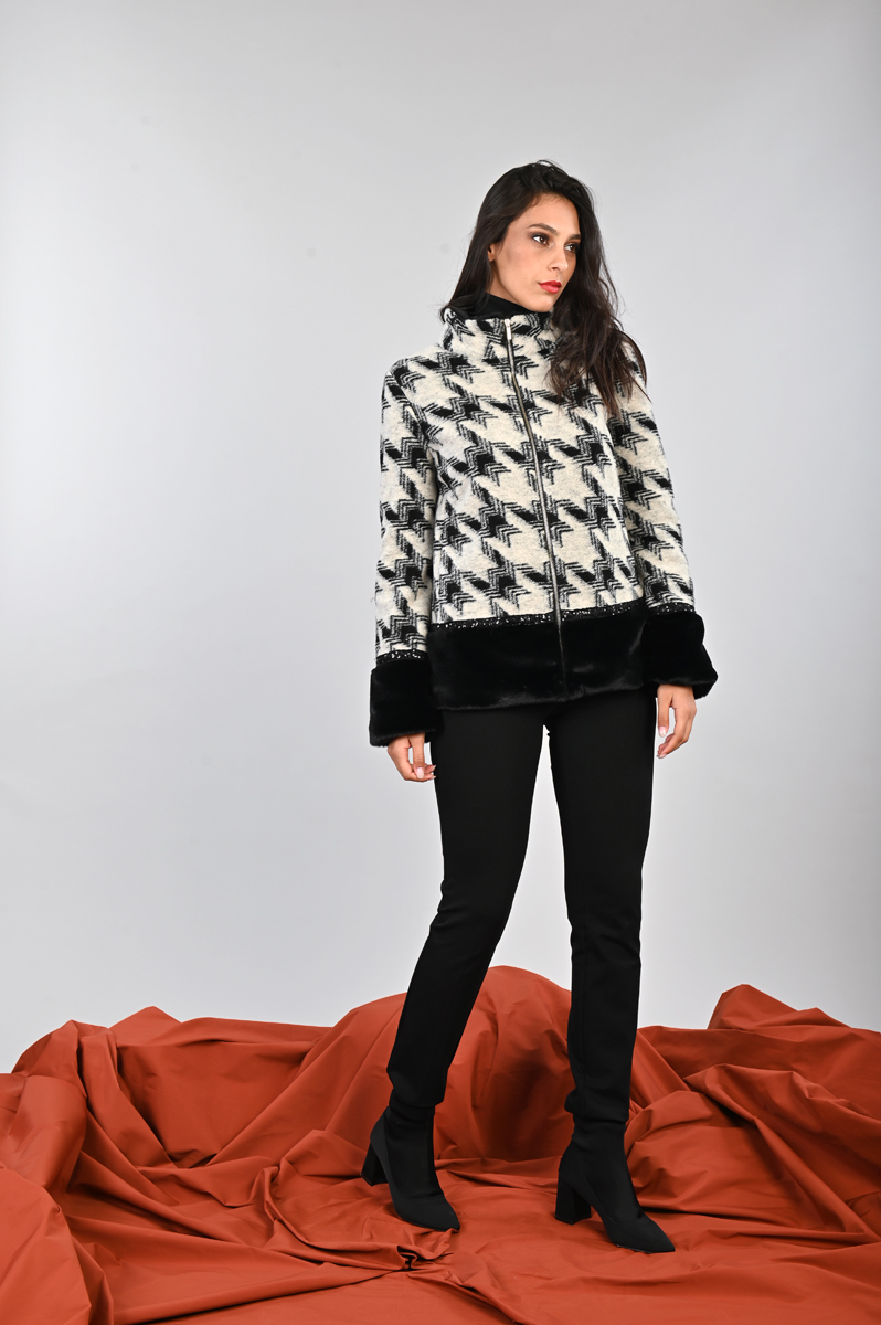 Giaccone invernale reversibile tinta unita con pelliccia ecologica