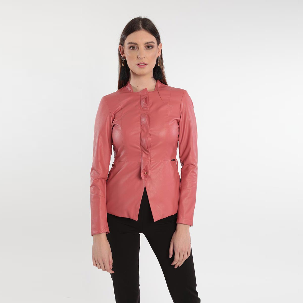 Giacca in ecopelle sfiancata con rouges donne curvy primavera 2020 Meteore Fashion