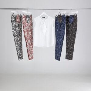 look con camicia senza maniche tinta unica e pantaloni in cotone fantasia. Collezione estate 2020 Meteore Fashion